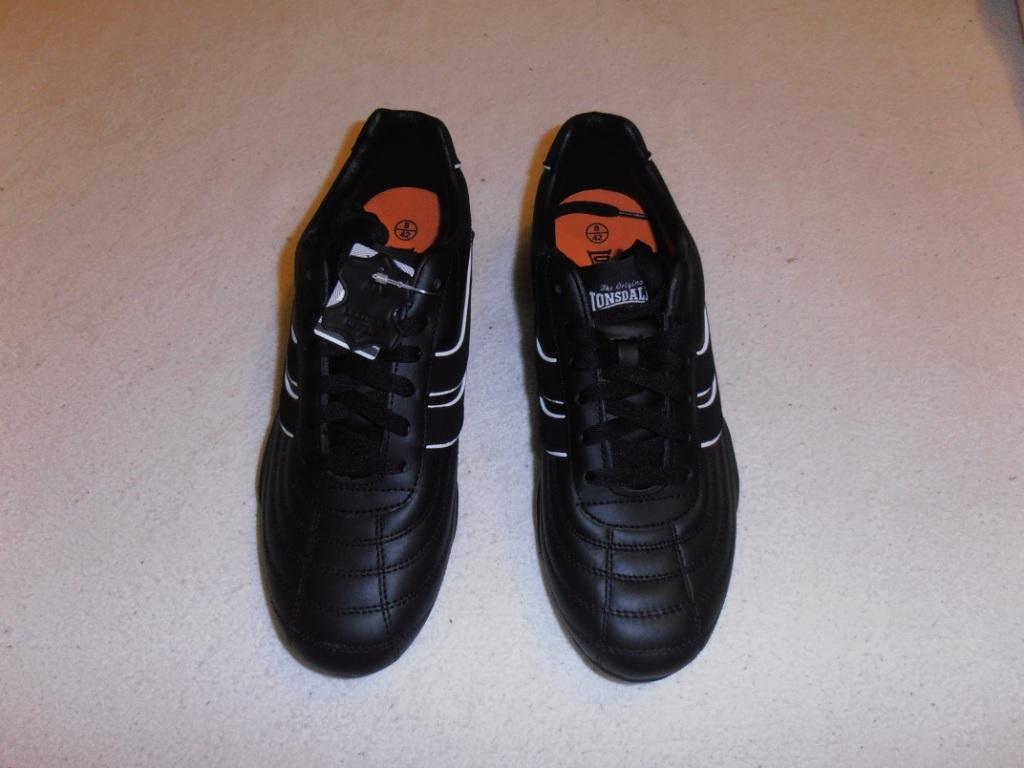 84ce16c03c5c predám športovú obuv Lonsdale