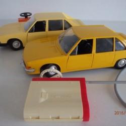 Stará hračka Tatra 613 bowden od ites